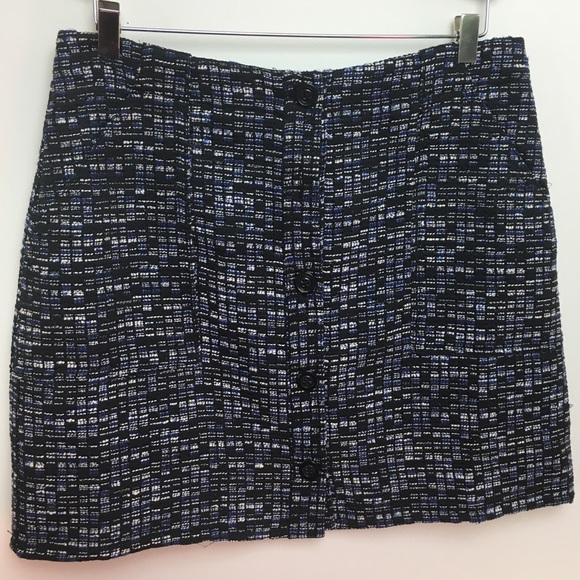 Banana Republic Dresses & Skirts - BANANA REPUBLIC blue woven button mini skirt SZ 6
